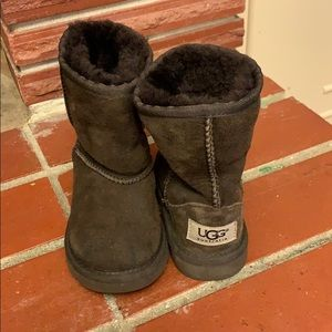 Super soft Ugg boots size 8 toddler